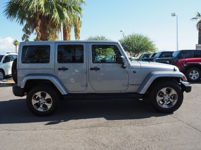 2016 Jeep Wrangler Unlimited 4WD 4dr Sahara - 17999306 - 3