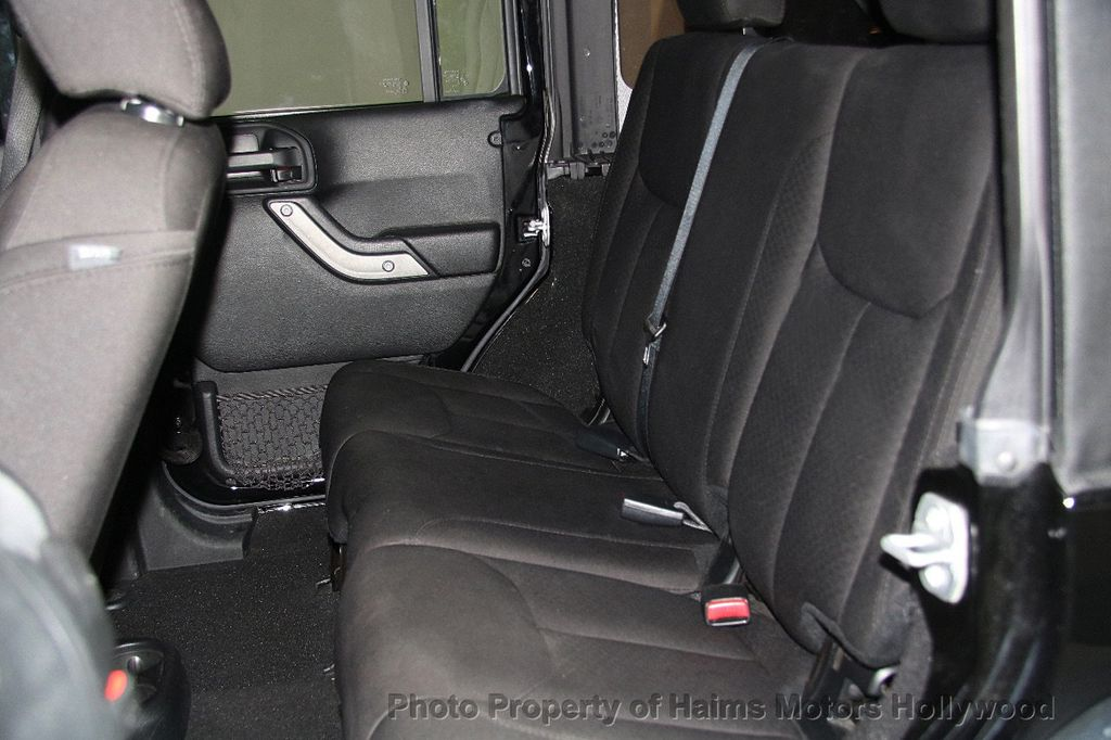 2016 Jeep Wrangler Unlimited 4WD 4dr Sport - 17312712 - 18