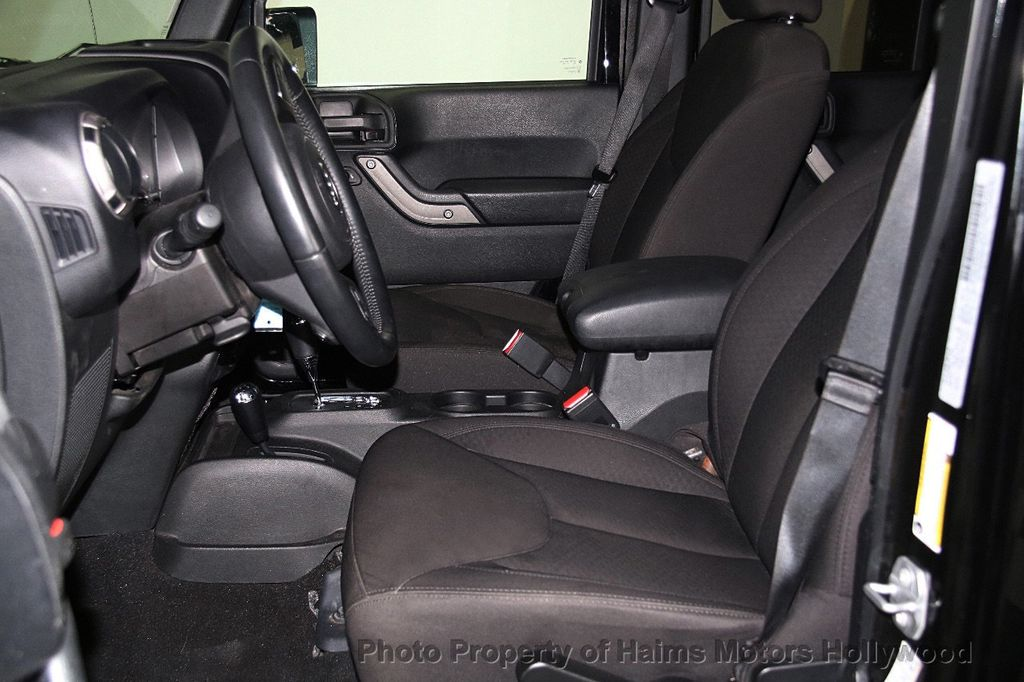 2016 Jeep Wrangler Unlimited 4WD 4dr Sport - 17312712 - 19