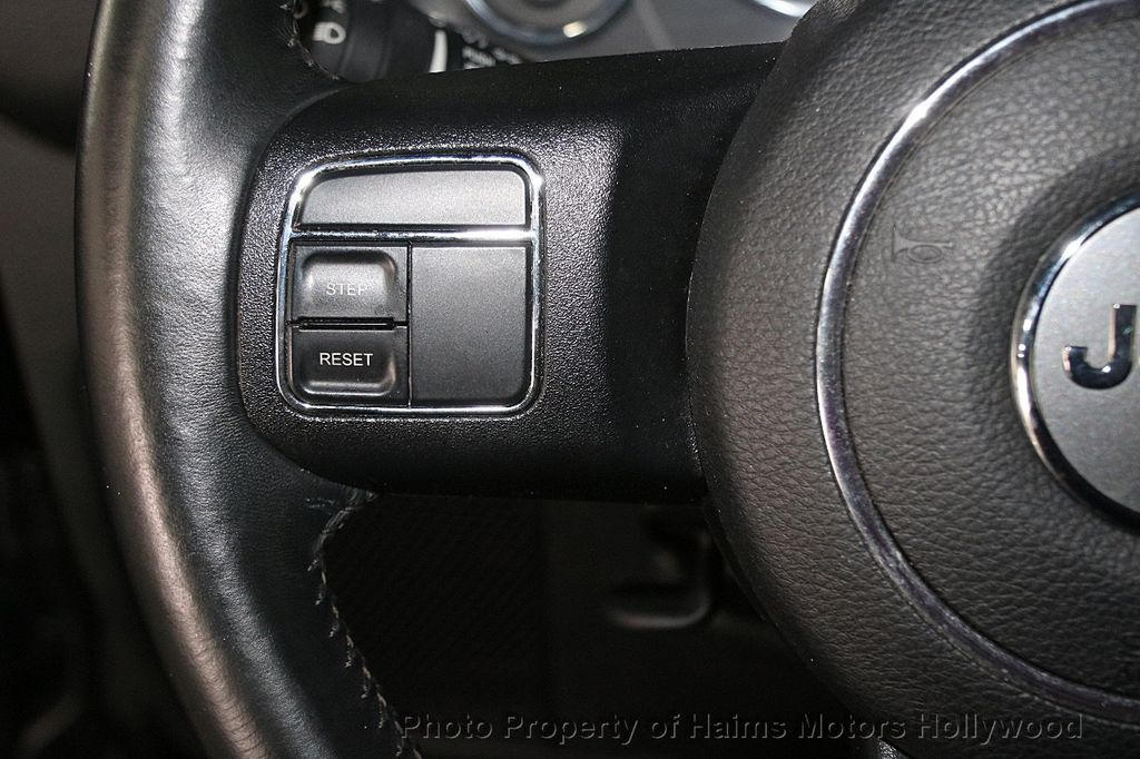 2016 Jeep Wrangler Unlimited 4WD 4dr Sport - 17312712 - 25