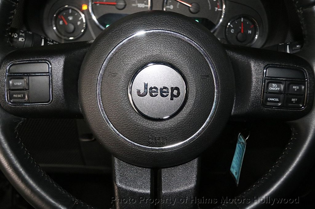 2016 Jeep Wrangler Unlimited 4WD 4dr Sport - 17312712 - 27