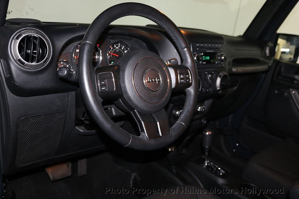 2016 Jeep Wrangler Unlimited 4WD 4dr Sport - 17525682 - 18