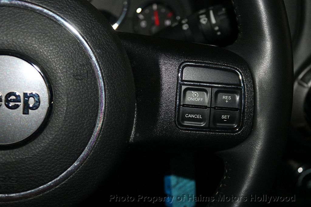 2016 Jeep Wrangler Unlimited 4WD 4dr Sport - 17525682 - 24