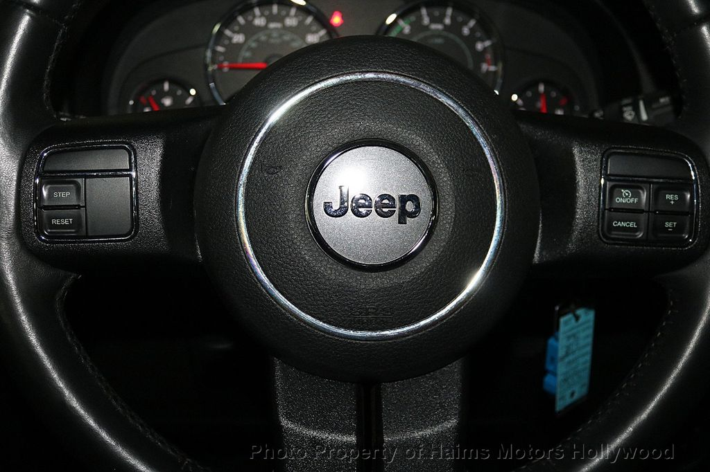 2016 Jeep Wrangler Unlimited 4WD 4dr Sport - 17525682 - 25