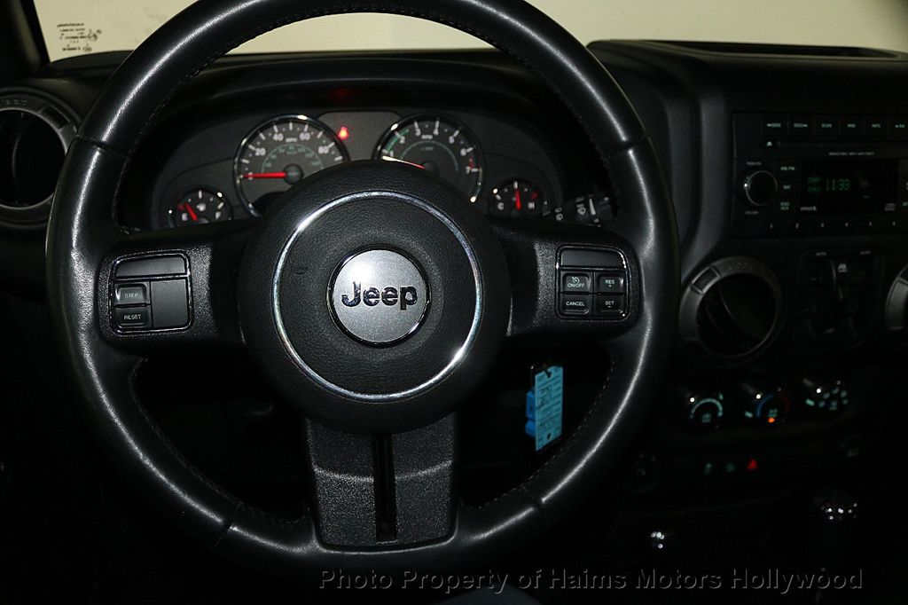 2016 Jeep Wrangler Unlimited 4WD 4dr Sport - 17525682 - 26