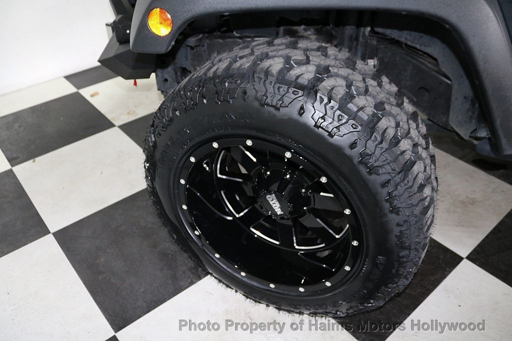 2016 Jeep Wrangler Unlimited 4WD 4dr Sport - 18032893 - 42