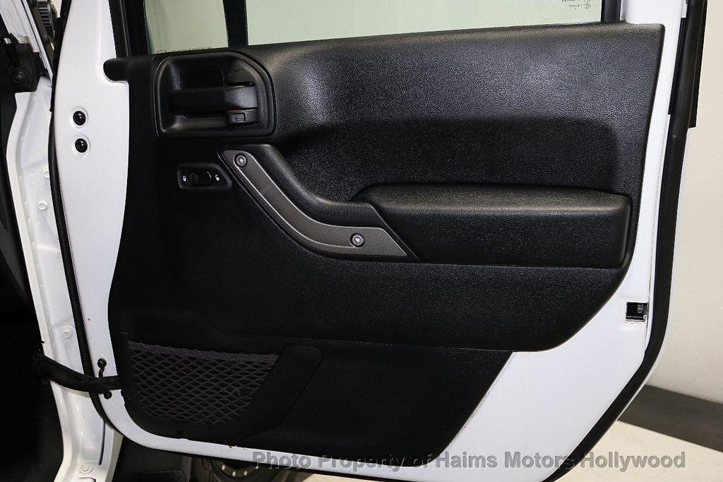 2016 Jeep Wrangler Unlimited 4WD 4dr Sport RHD - 18311743 - 28