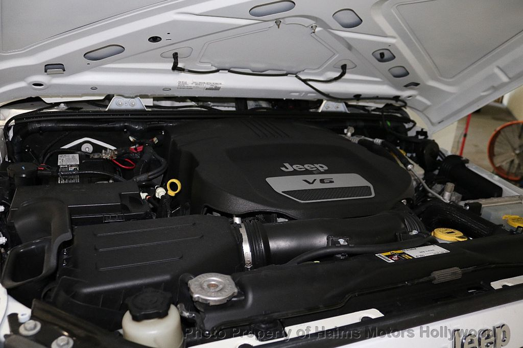 2016 Jeep Wrangler Unlimited 4WD 4dr Sport RHD - 18311743 - 43