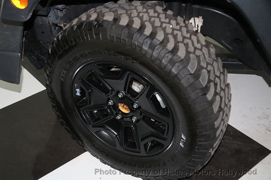 2016 Jeep Wrangler Unlimited 4WD 4dr Willys Wheeler - 16917020 - 29
