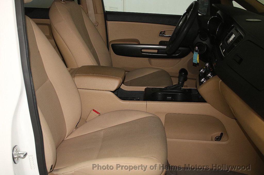 2016 Kia Sedona 4dr Wagon LX - 17422237 - 15