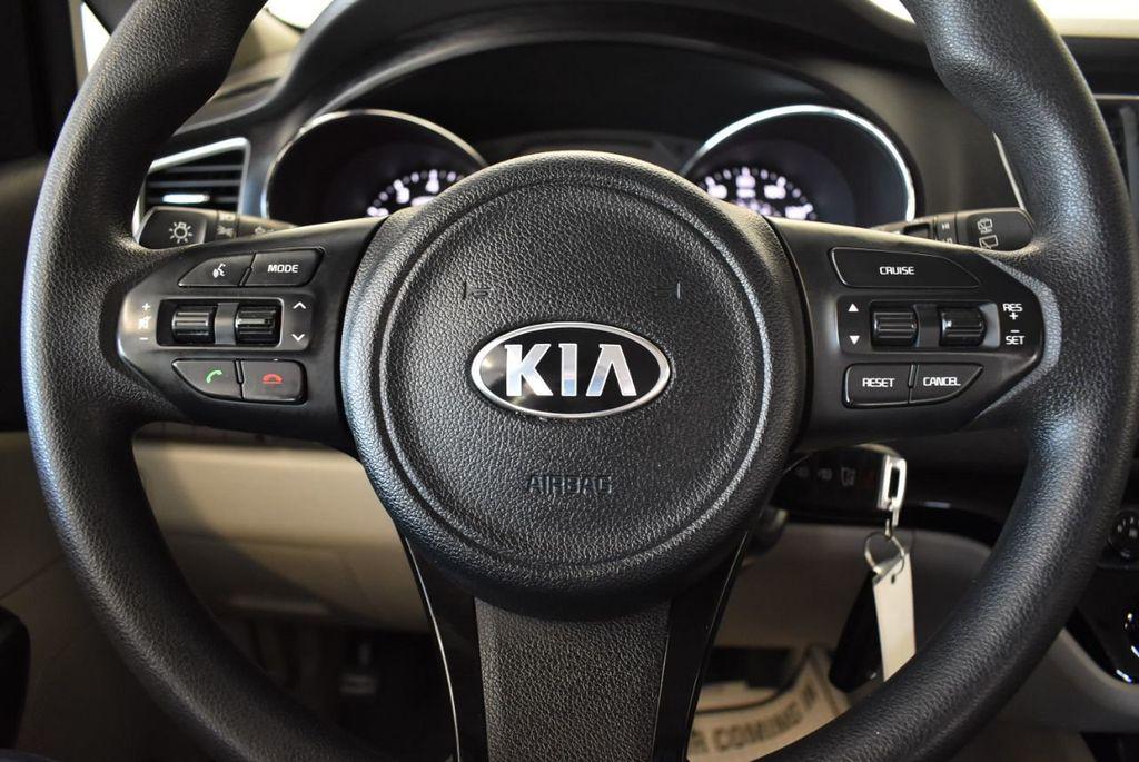 2016 Kia Sedona L - 18194296 - 15