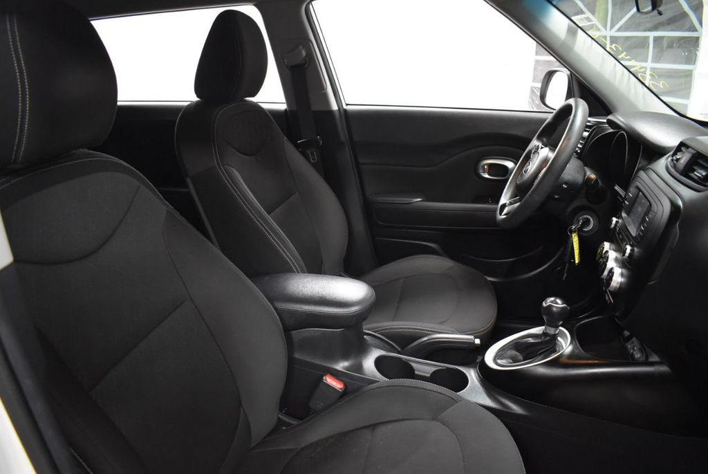 2016 Kia Soul 5dr Wagon Automatic - 18436042 - 25