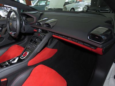 2016 Lamborghini Huracan 2dr Convertible LP 610-4 Spyder - Click to see full-size photo viewer