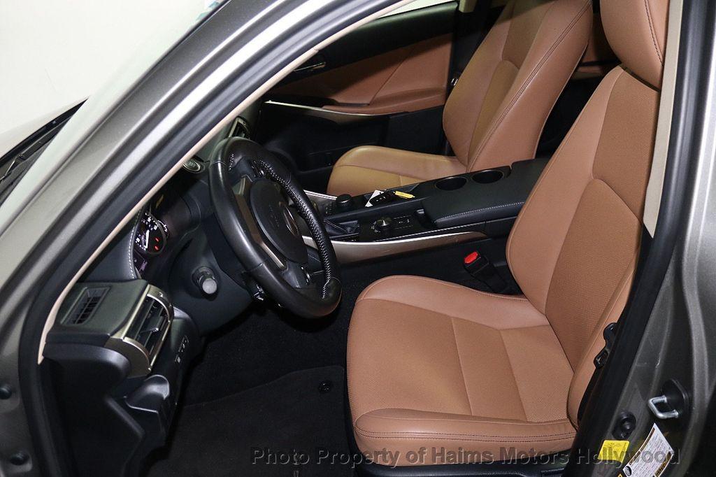 2016 Lexus IS 200t 4dr Sedan - 17858490 - 16