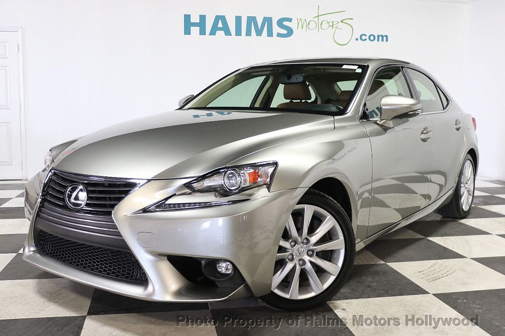 2016 Lexus IS 200t 4dr Sedan - 17858490 - 1