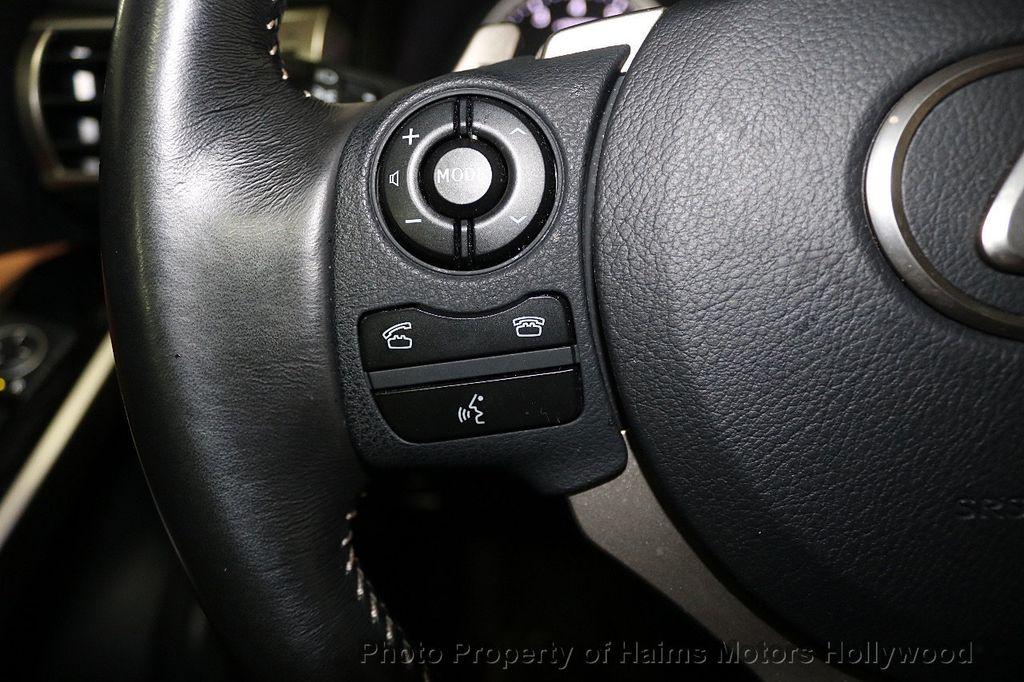 2016 Lexus IS 200t 4dr Sedan - 17858490 - 24