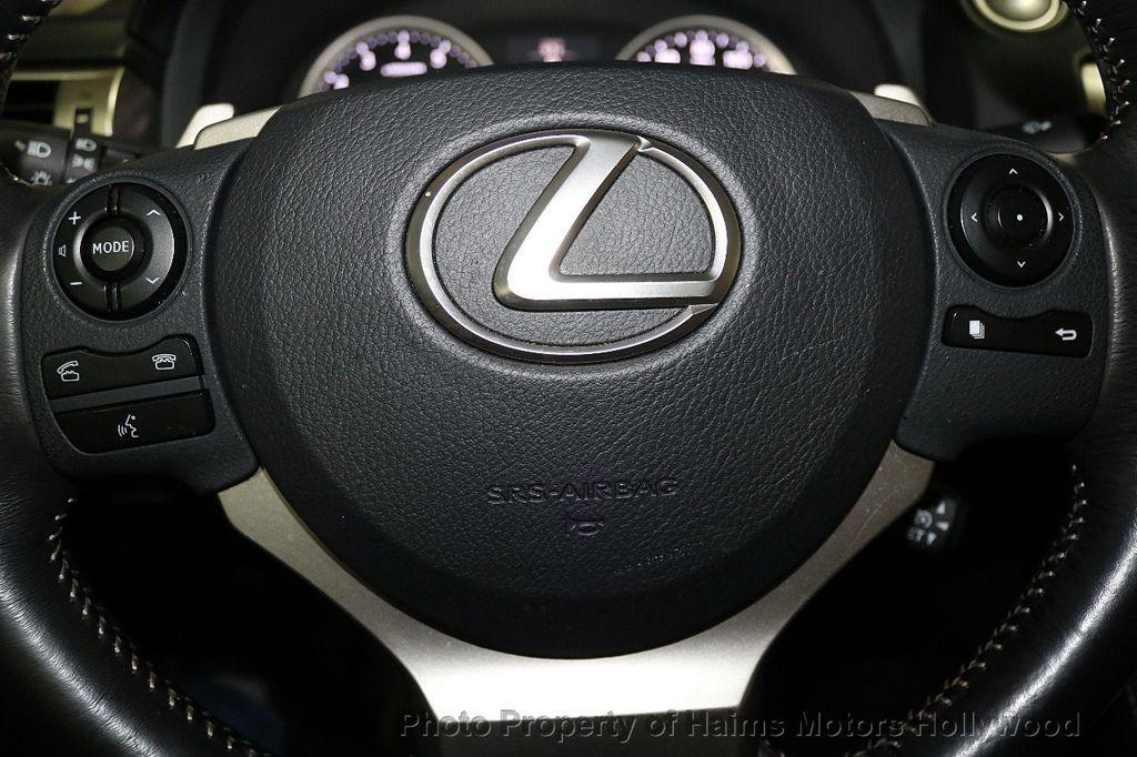2016 Lexus IS 200t 4dr Sedan - 17858490 - 26