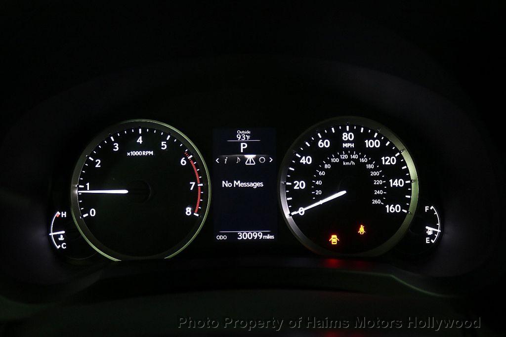 2016 Lexus IS 200t 4dr Sedan - 17858490 - 28