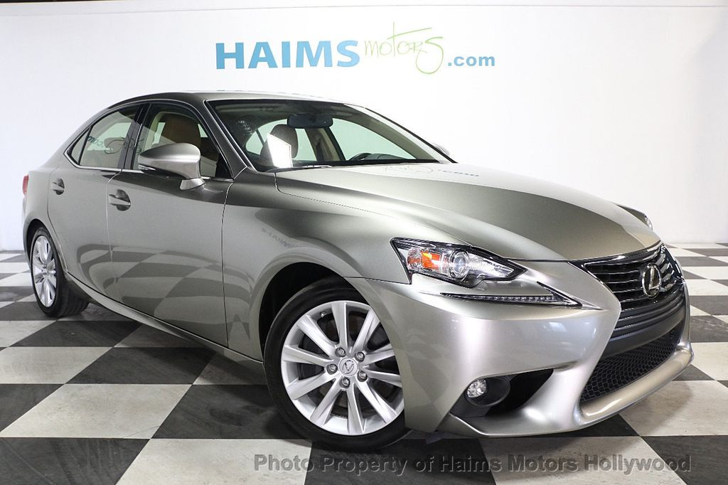 2016 Lexus IS 200t 4dr Sedan - 17858490 - 3