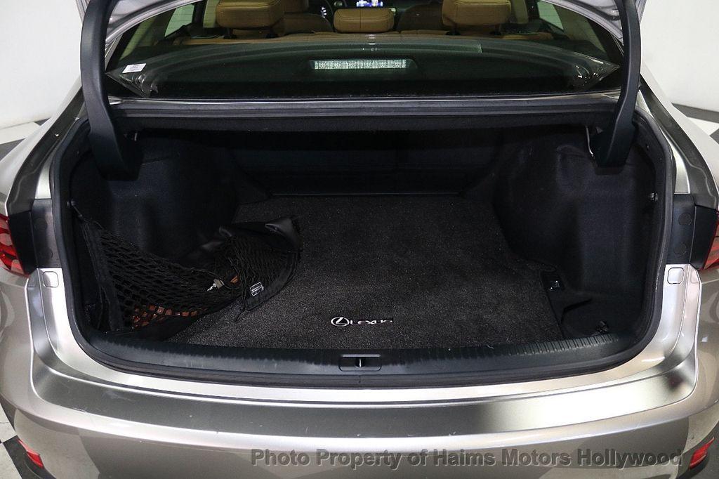 2016 Lexus IS 200t 4dr Sedan - 17858490 - 8