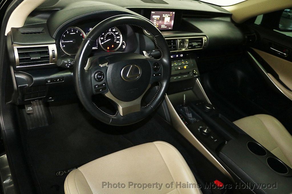 2016 Lexus IS 200t 4dr Sedan - 17925293 - 17