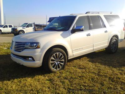 2016 Lincoln Navigator L  - Click to see full-size photo viewer