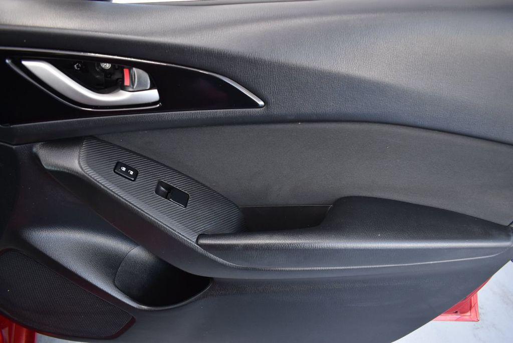 2016 Mazda Mazda3 4dr Sedan Automatic i Sport - 18271766 - 17
