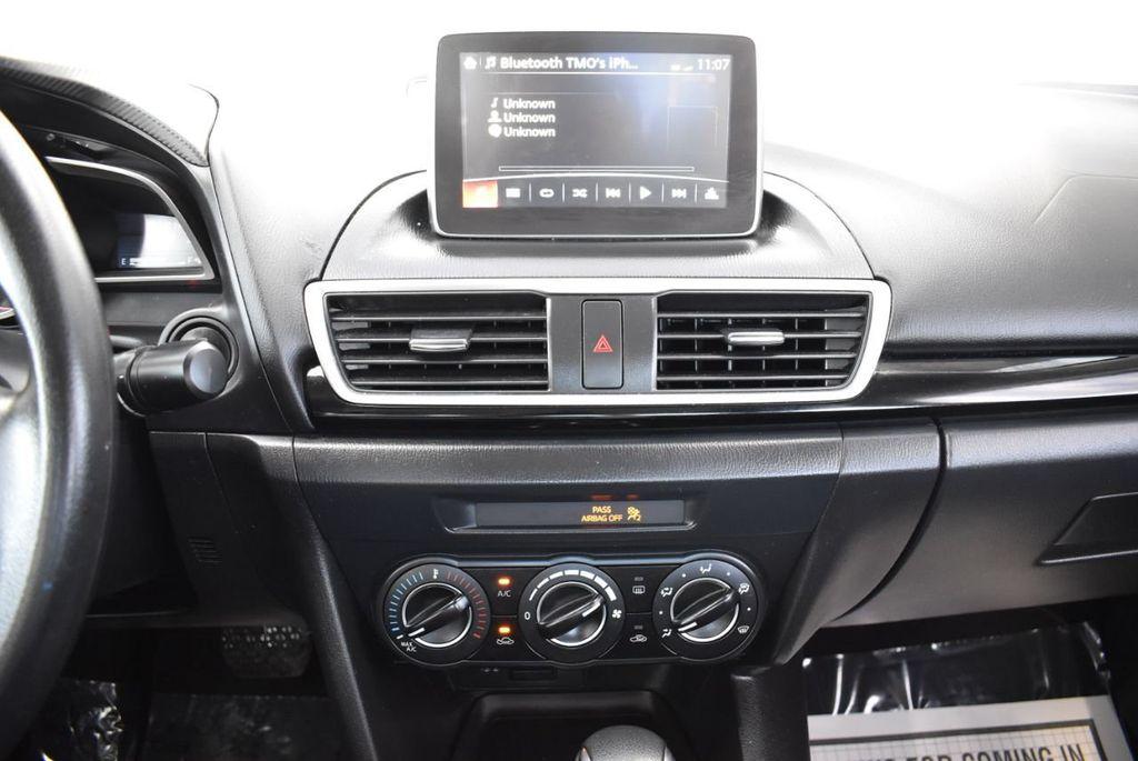 2016 Mazda Mazda3 4dr Sedan Automatic i Sport - 18271766 - 25