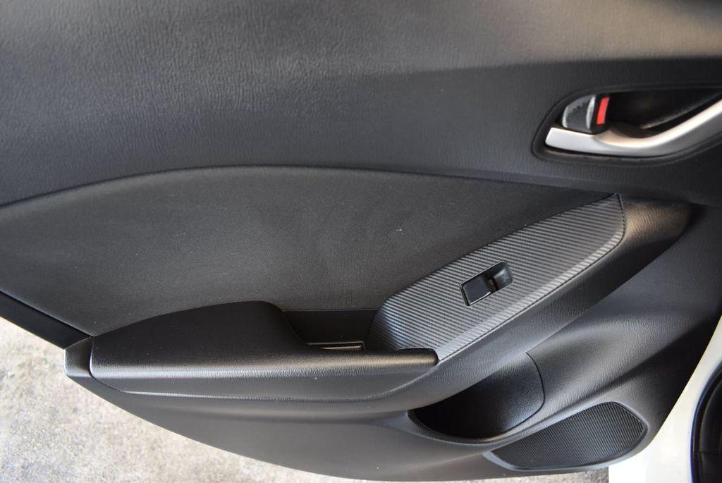 2016 Mazda Mazda3 4dr Sedan Automatic i Touring - 18078924 - 13