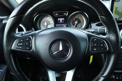 2016 Mercedes-Benz GLA 4MATIC 4dr GLA 250 - Click to see full-size photo viewer