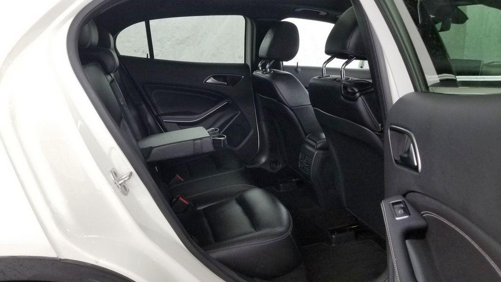2016 Mercedes-Benz GLA 4MATIC 4dr GLA 250 - 18097523 - 10