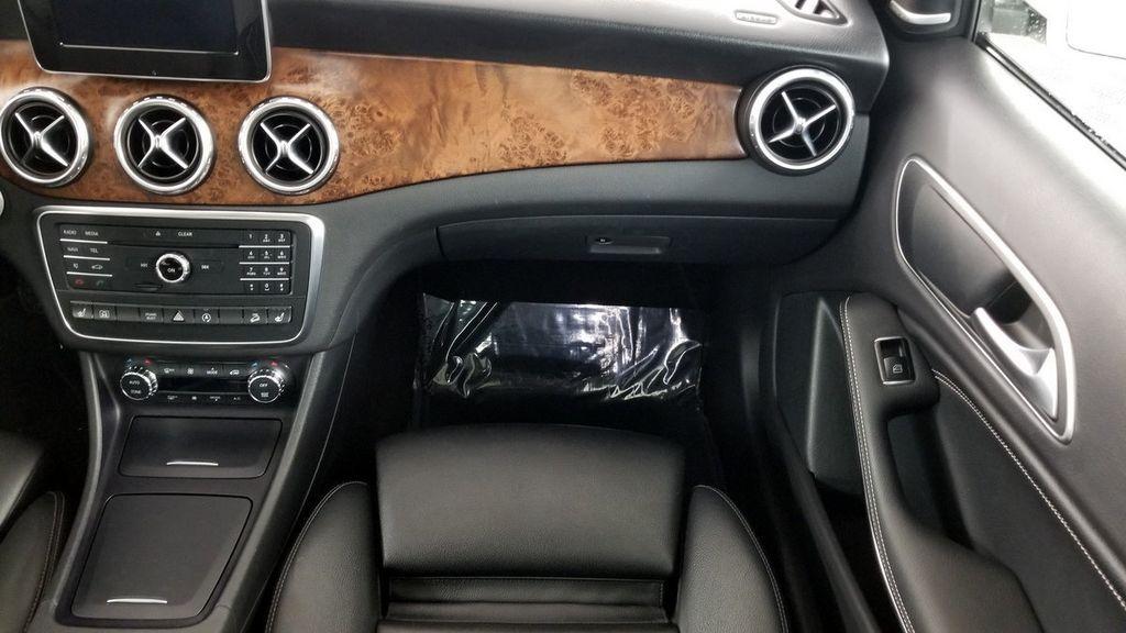 2016 Mercedes-Benz GLA 4MATIC 4dr GLA 250 - 18097523 - 12