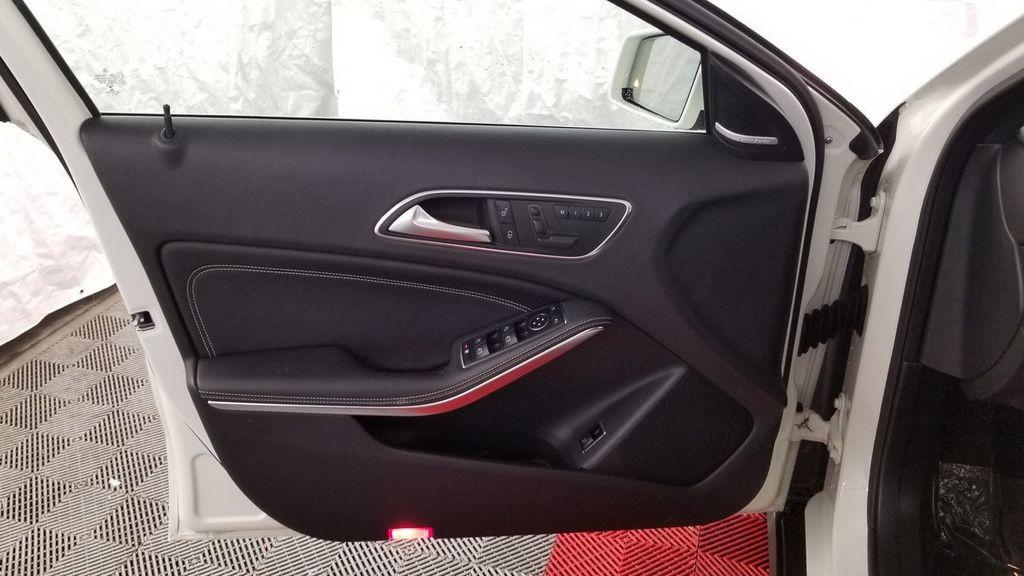 2016 Mercedes-Benz GLA 4MATIC 4dr GLA 250 - 18097523 - 13