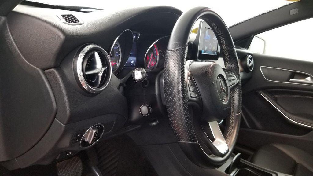 2016 Mercedes-Benz GLA 4MATIC 4dr GLA 250 - 18097523 - 16