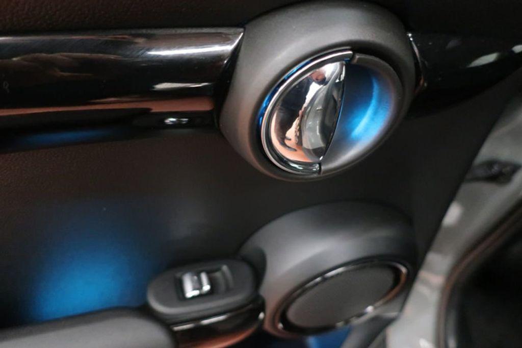 2016 MINI Cooper Hardtop 4 Door HARDTOP 4DR HB - 16986512 - 19