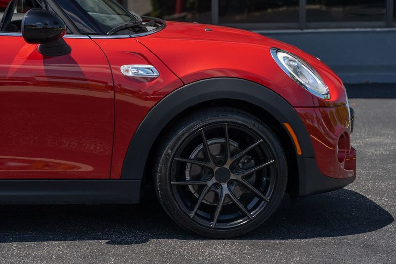 2016 MINI Cooper S Hardtop 4 Door 4dr Hatchback S - Click to see full-size photo viewer