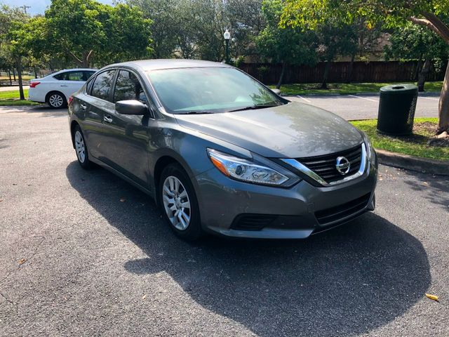2016 Nissan Altima 4dr Sedan I4 2.5 S - Click to see full-size photo viewer