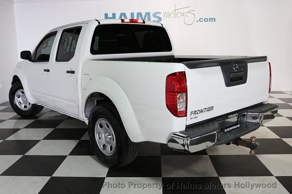 2016 Nissan Frontier 2WD Crew Cab SWB Automatic S - 17647380 - 4