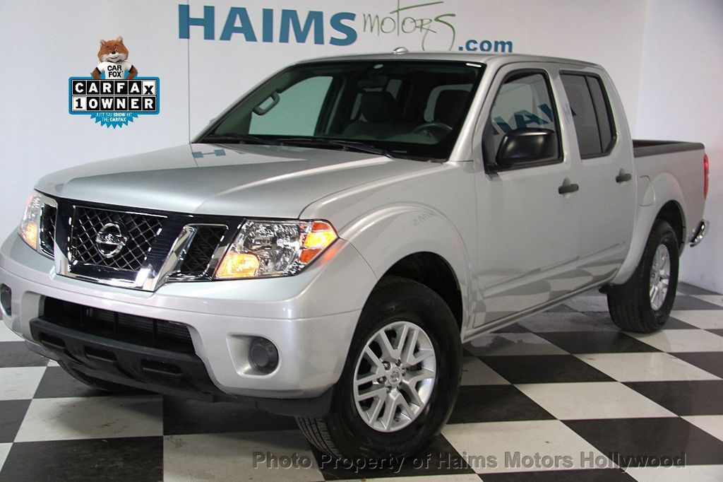 2016 Nissan Frontier 2WD Crew Cab SWB Automatic SV - 18147518 - 0