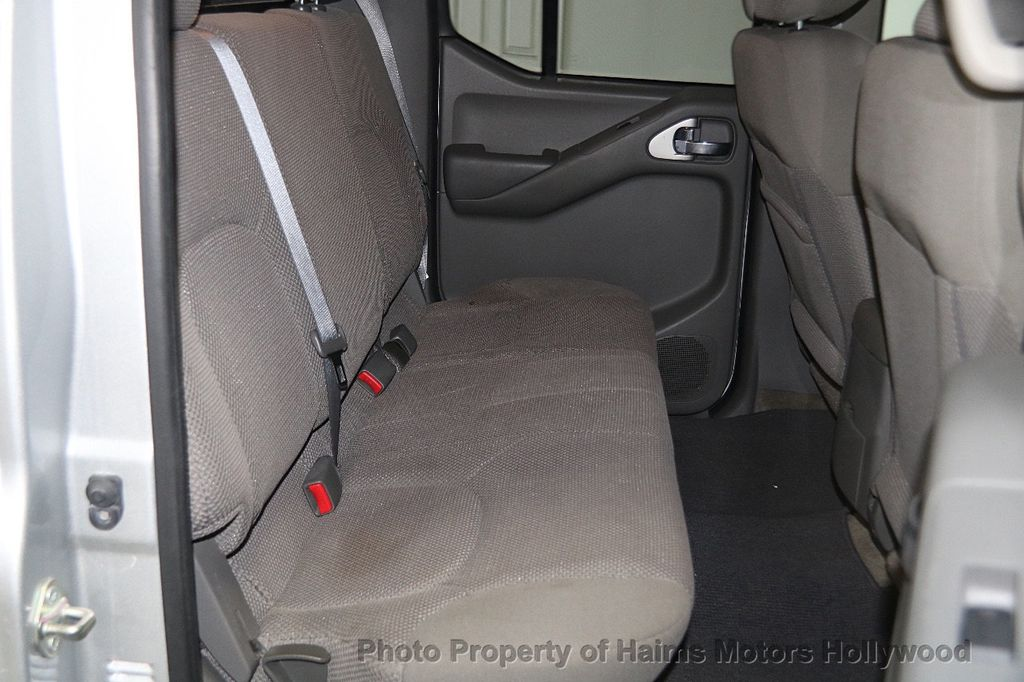 2016 Nissan Frontier 2WD Crew Cab SWB Automatic SV - 18147518 - 15