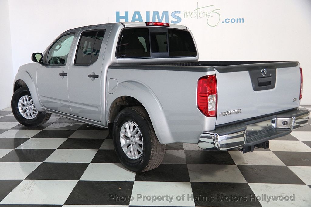2016 Nissan Frontier 2WD Crew Cab SWB Automatic SV - 18147518 - 4