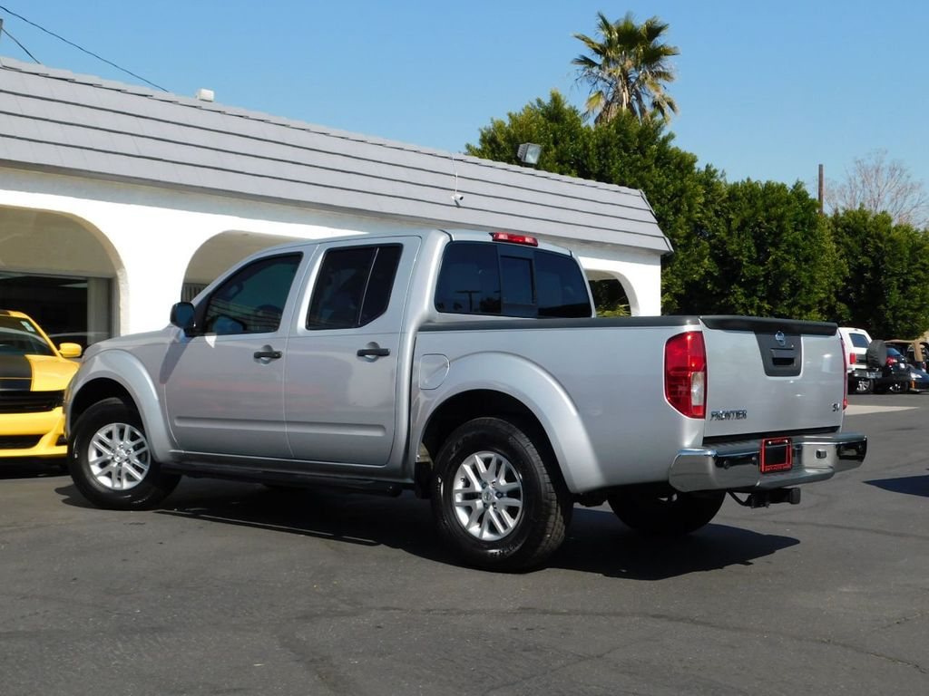 2016 Nissan Frontier 2WD Crew Cab SWB Automatic SV - 18657961 - 4
