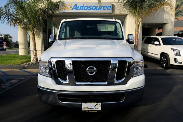 2016 Nissan NVP 3500 V6 SV - Click to see full-size photo viewer