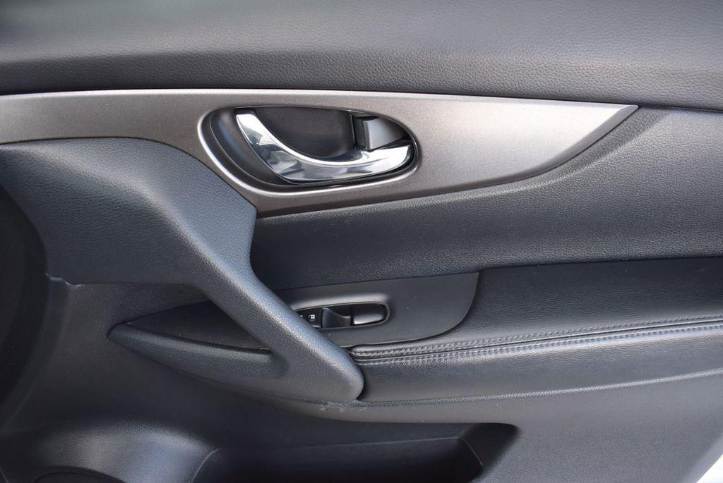 2016 Nissan Rogue  - 18574891 - 17