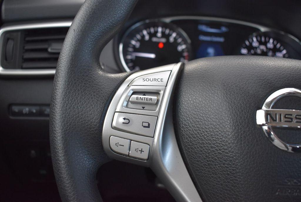 2016 Nissan Rogue  - 18574891 - 21