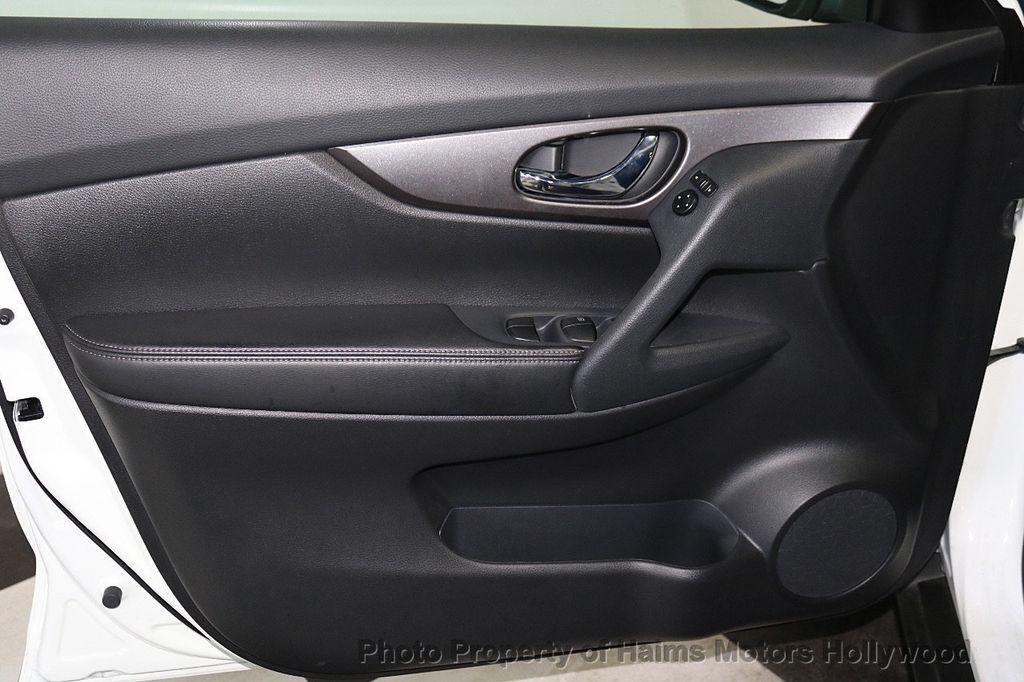2016 Nissan Rogue FWD 4dr SV - 18584884 - 10