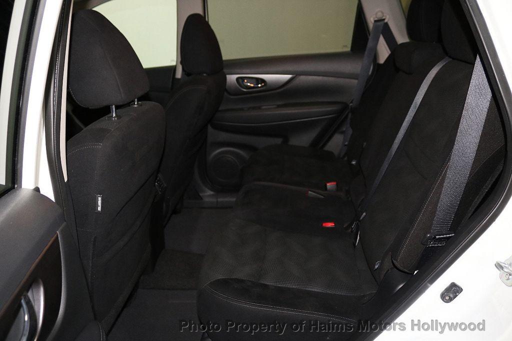 2016 Nissan Rogue FWD 4dr SV - 18584884 - 16