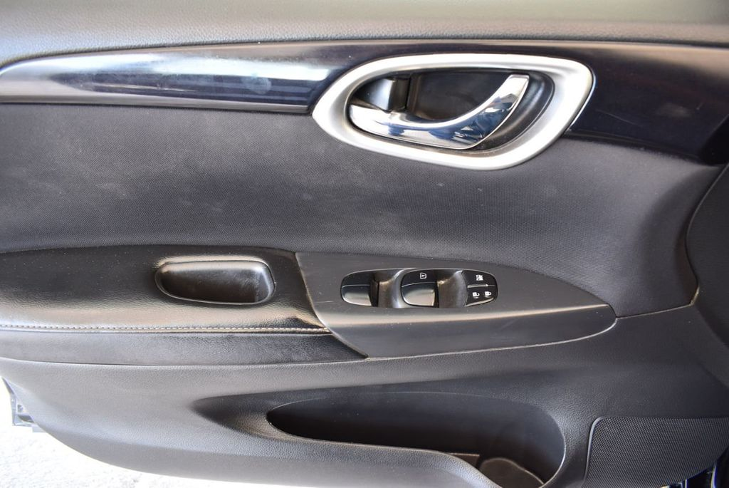 2016 Nissan Sentra 4dr Sedan I4 CVT S - 17958517 - 13
