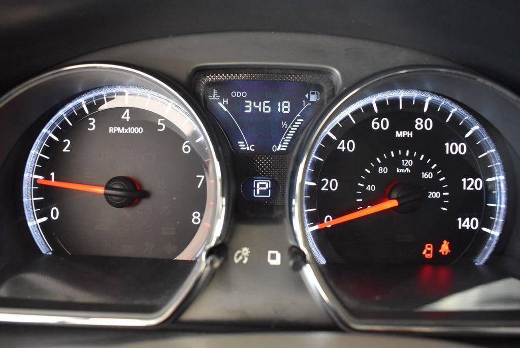 2016 Nissan Versa 4dr Sedan Automatic 1.6 S - 18121011 - 16