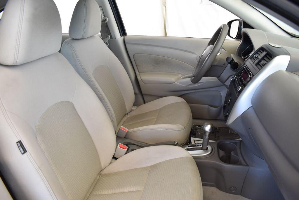 2016 Nissan Versa 4dr Sedan Automatic 1.6 S - 18121011 - 24
